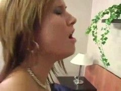 Sexspiele mit junger Schlampe